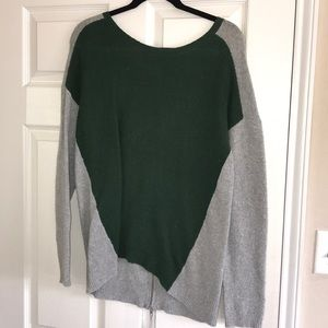 HINGE SWEATER